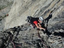 Ghislaine apprécie le beau rocher de la Berthet Boell Stofer (5 max)