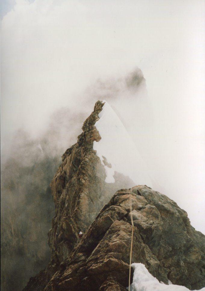 Ambiance brumeuse sur les arêtes de la Meije