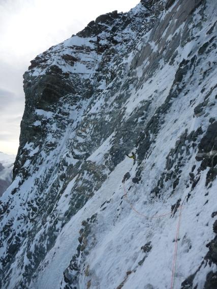 Pierr à l'autre bout d'une traversée en haut de la face Nord